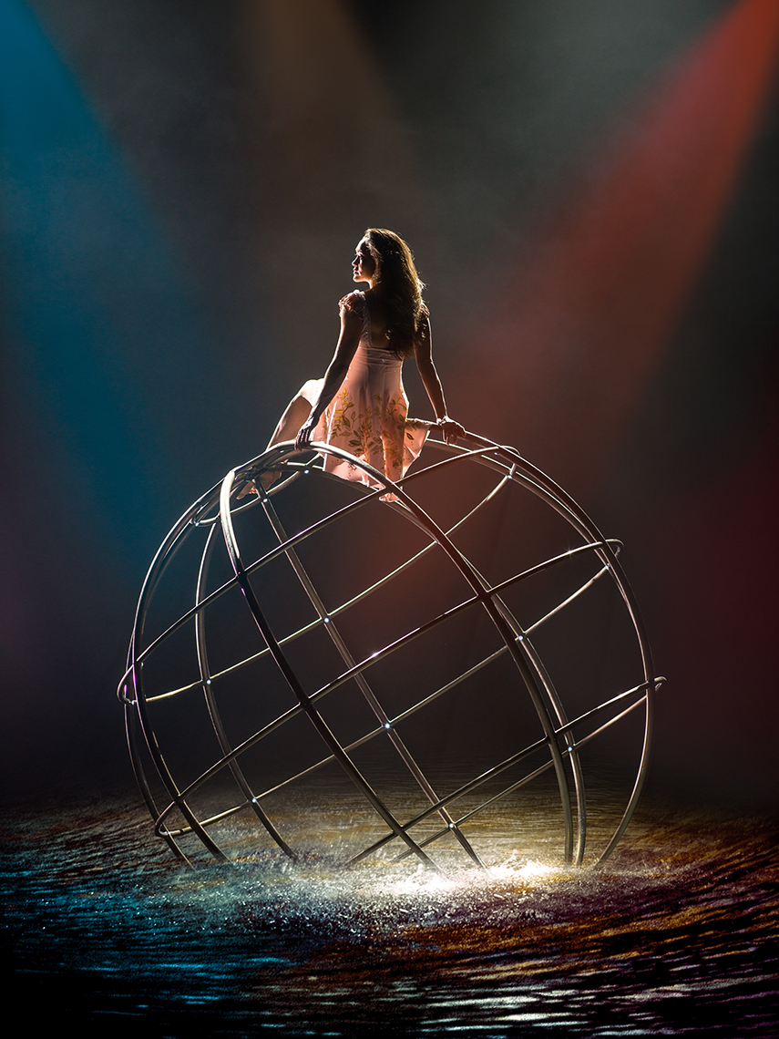 The dreamer on the sphere Le RÊVE the Dream show At the Wynn Las Vegas Advertising